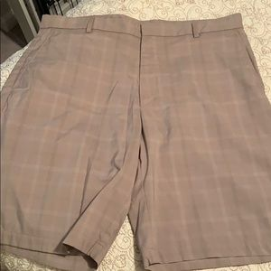 WALTER HAGEN GOLF SHORTS